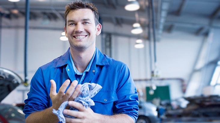 Diesel Mechanic Tools >> Diesel Mechanic School Online Courses | Penn Foster Career ...